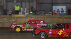 Close action at ACR. Reed Bros. Racing Photos