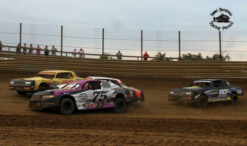 Street Stock action at ACR. Reed Bros. Racing Photos