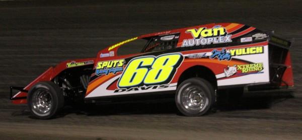 Kerry Davis wins on opening night. Reed Bros. Racing Photos