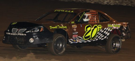 Jim Powell Jr. races to a $1220.00  win. Reed Bros. Racing Photos
